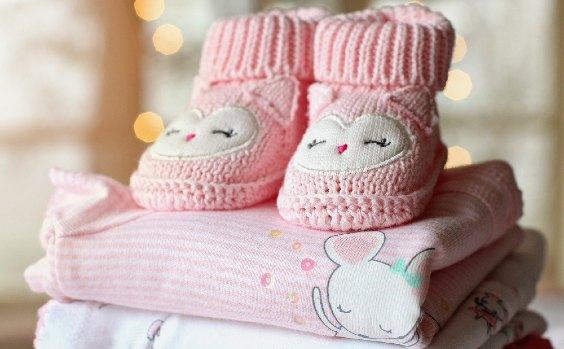 Baby Schu00fchchen und Kleidung