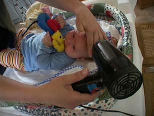 Auch für die Häufigkeit des Baby-Badens gilt: Weniger ist mehr